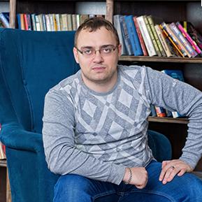 Артур Кучеренко